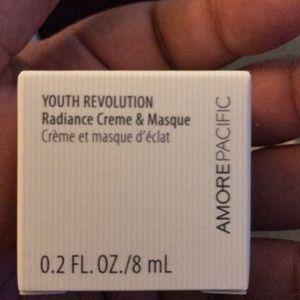AmorePacific Youth Revolution Radiance Creme